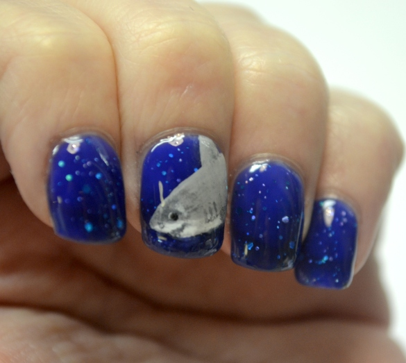 Day-7-Glittery-shark-week-nails-2