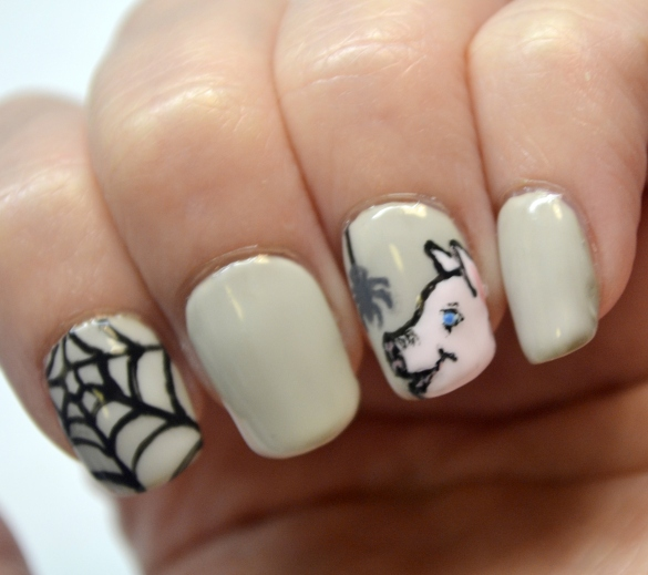 OMD3-Day-13-Book-Charlottes-Web-nails-3